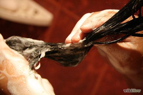 بالصور طريقة سهلة جداً لإزالة اللبان اللاصق من الشعر دون اى آلم ! 8 7/12/2015 - 4:34 م