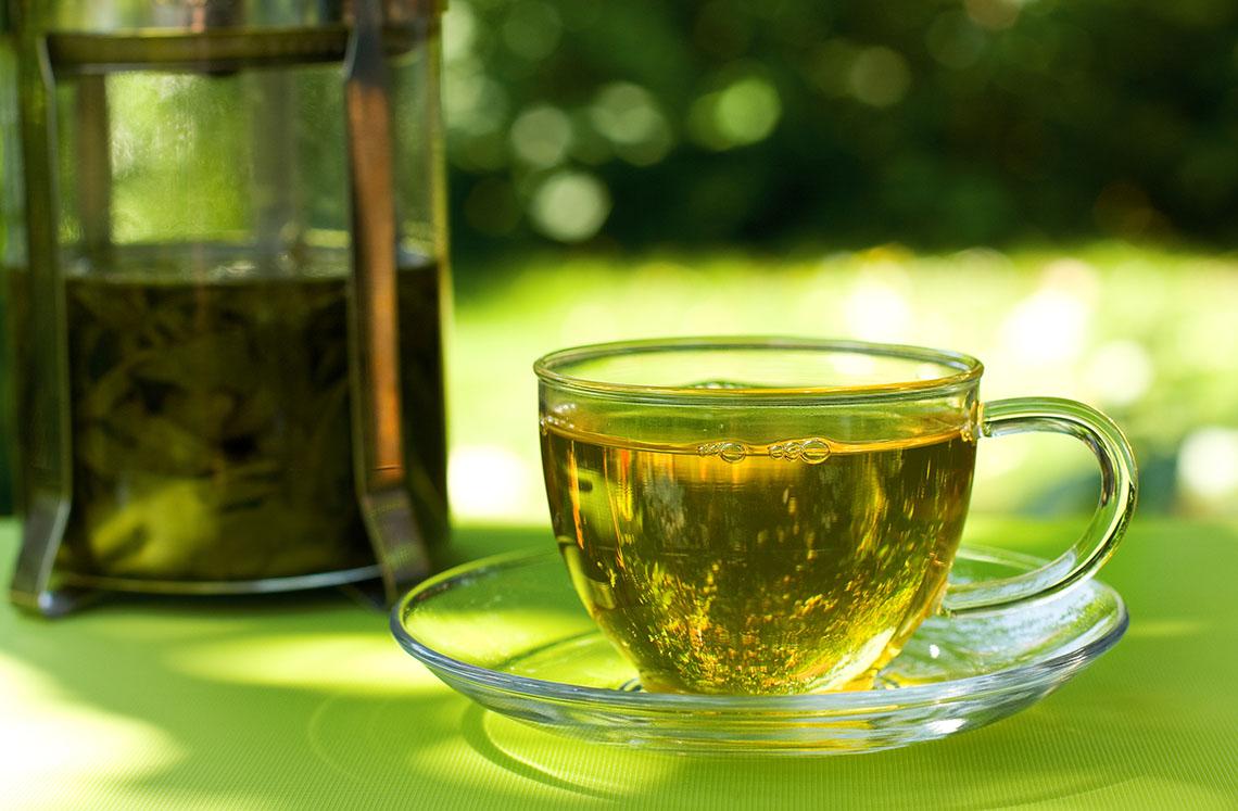 كم سعرة حرارية يحرقها كوب الشاي الأخضر | كيف؟